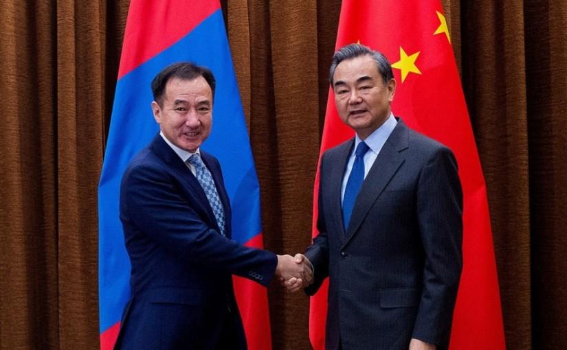 Chinese-Foreign-Minister-Wang-Yi-and-Mongolian-Foreign-Minister-Damdin-Tsogtbaatar